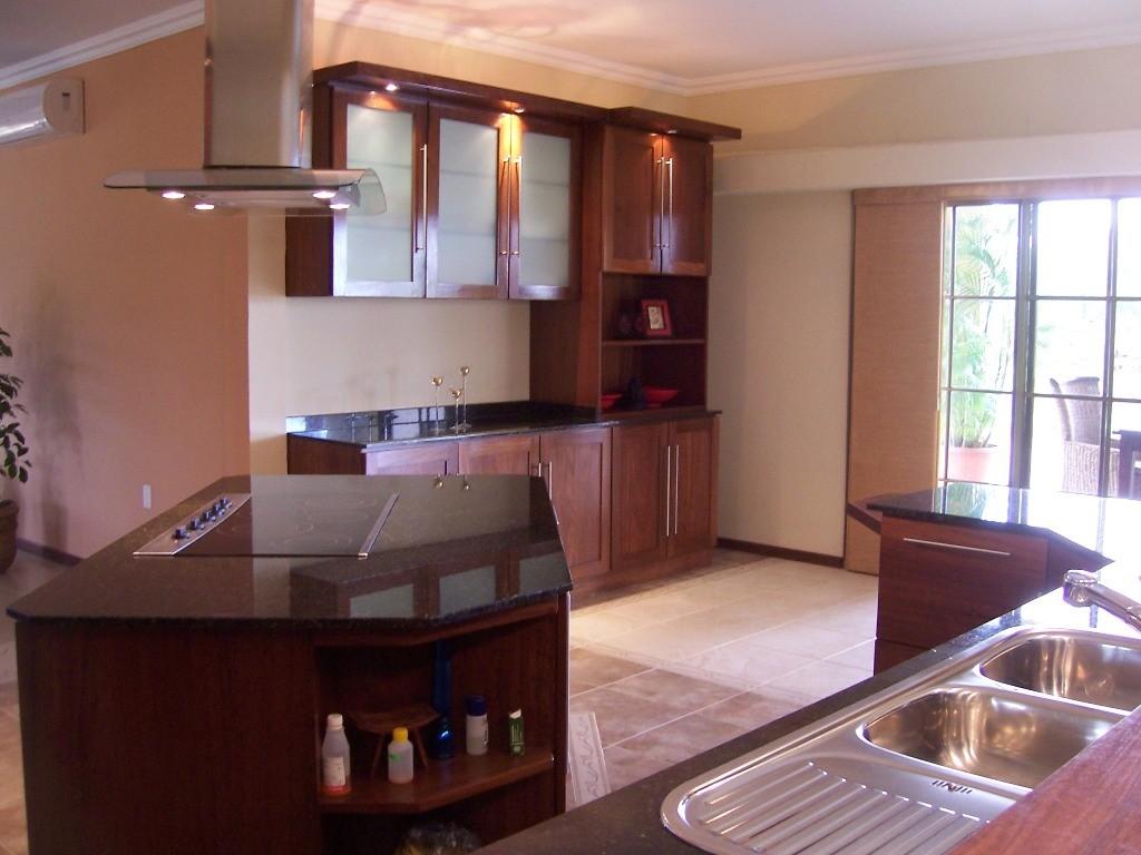 Keuken wa2 suriname furniture group - Eetkamer keuken ...